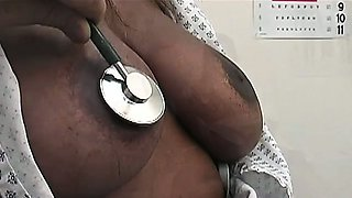 Nubian hottie Sinnamon couldn\'t get the sexual chocolate