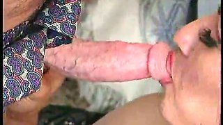 Before jiggling on cock lusty bitch prefers to give a kinky blowjob