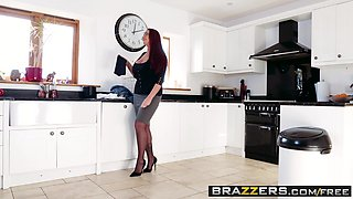 Brazzers - Mommy Got Boobs - Emma Butt Jordi El Nino Polla - Hold The Phone Not The Moan