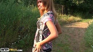 Molly in horny girl gets fucked really hard in the park