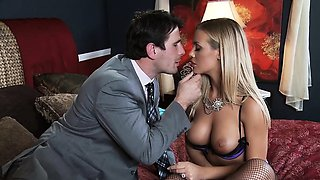 Brazzers - Real Wife Stories - Nicole Aniston