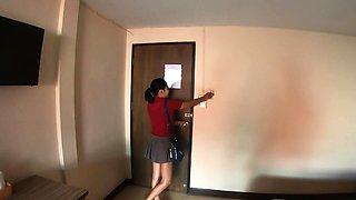 Amateur Thai teen titty fuck in a hotel