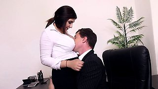 BUMS BUERO - Office fuck with busty German secretary