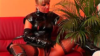 Hot latex on a fucked mistress