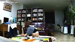 Hackers use the camera to remote monitoring of a lover's home life.387