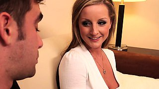MILF in high heels Melissa Matthews gets fucked and