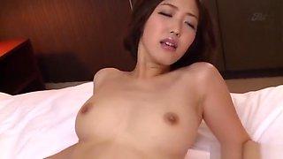 Asahi Mizuno gets her jelly bean teased