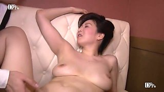 Hitomi Ohashi H Cup Beauty Jav Big Tits Mature Woman Av Actress Dressed As A Mommy Of A Bar And Tempting Customers