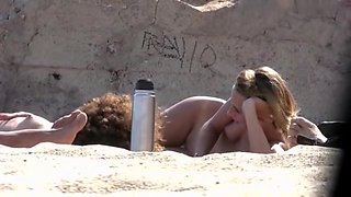 Voyeur can't believe how many chicks are on the nudist beach