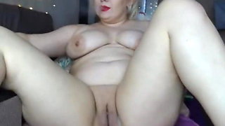 Chubby momma smoking and fingering
