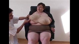 Best way to reveal BBW tits