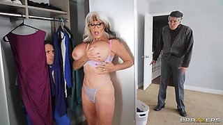 BRAZZERS GILF gets on her Knees 1st Thing in the Morning