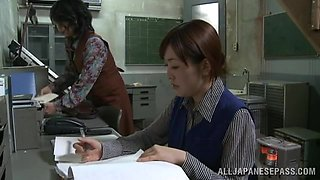 Sex story that takes place in one of the Japanese factories