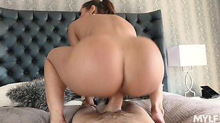 Dad's hot wife Christiana Cinn turned to be insatiable whore