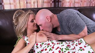Brazzers - Mommy Got Boobs - My Mommy Does Po