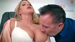 Secretary's face receives a cumshot after sex with her boss