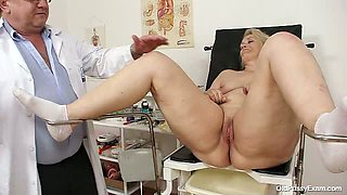 Yvonne Examination Video/Yvonne. Part 2
