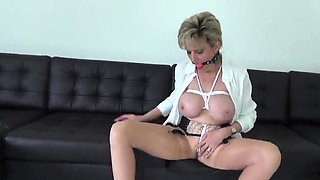Adulterous english mature lady sonia unveils her gian34kSw