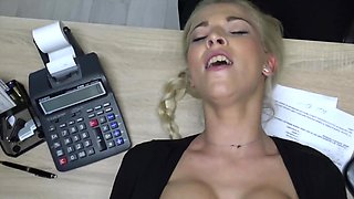 Playful babe waits for lender to fool around with her till orgasm