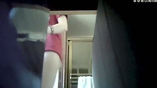 Spy cam video of a naked pussy in the bathroom