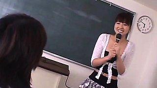 Misato Kuninaka in real Japanese school threesome