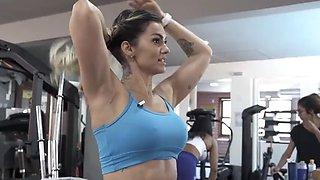 Sexy gym workout cameltoe big pussy ass academia malhando