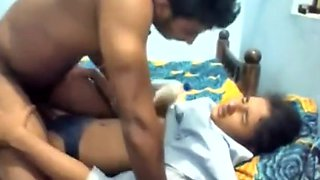 Bunked Virgin Desi Indian School Girl Blowjob and Fucking with BF - Leaked