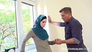 Katarina Rina & Steve Q in Muslim Tenant Gets Discount In Exchange For Fuck - Porncz