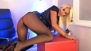 Lucy Zara in sexy pantyhose