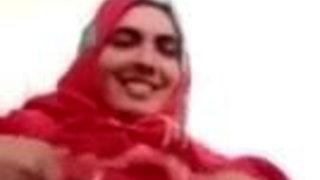 Turkish hijab mom gros senis