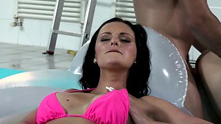 KINKY INLAWS - Stepdaughter and mom in threesome by the pool