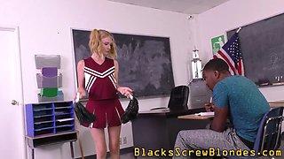 Teen cheerleader blacked